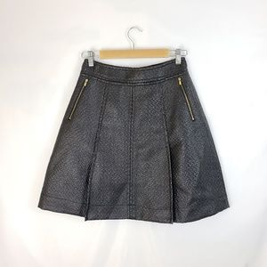 Banana Republic Faux Leather Textured Skirt 4P